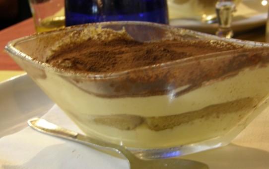 Italiensk dessert-tiramisu