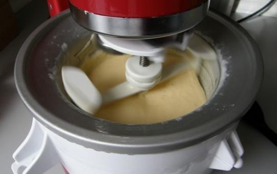 Lækker italiensk-inspireret vaniljeis
