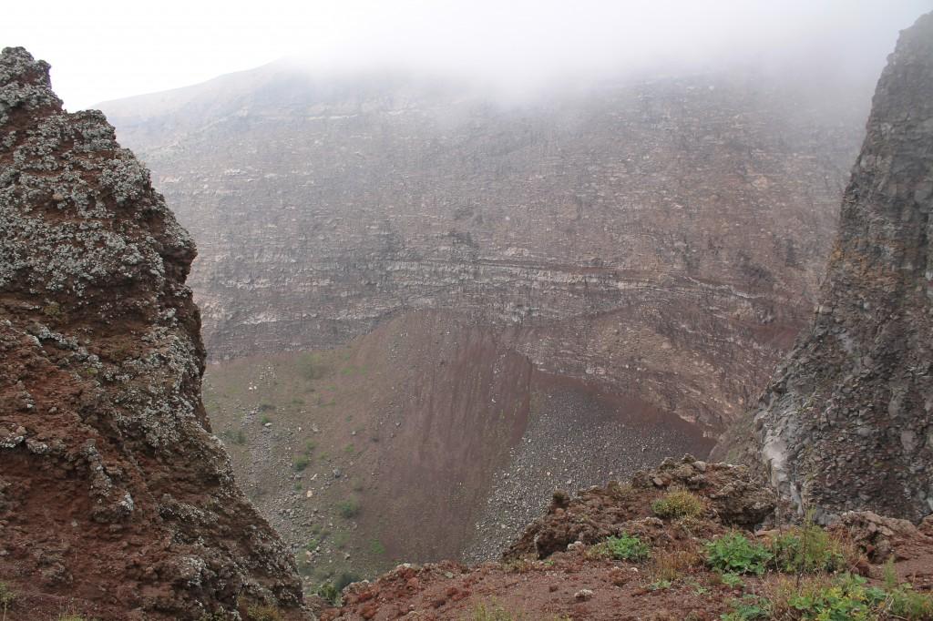 Fantastisk syn - et kik ned i krateret på Vesuv