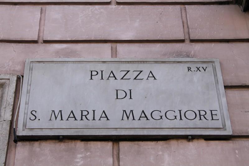 Kirken ligger navn til pladsen