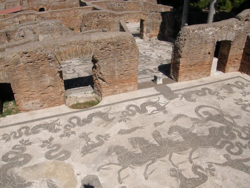 Smukt gulvmotiv i Ostia Antica