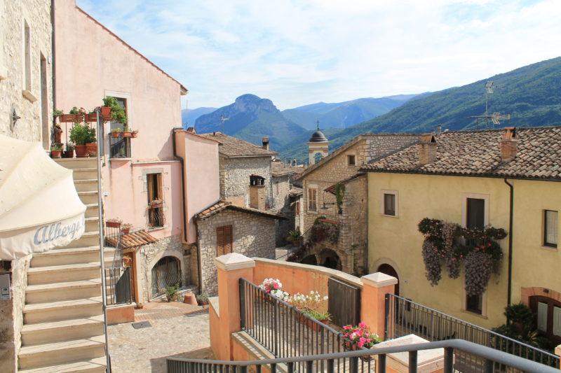 Niveauforskelle på gaderne i Montefranco