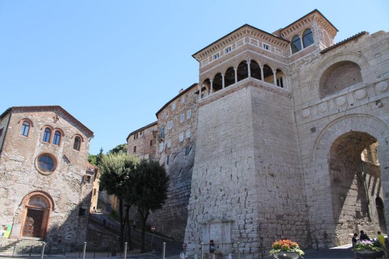 Etruskerbuen