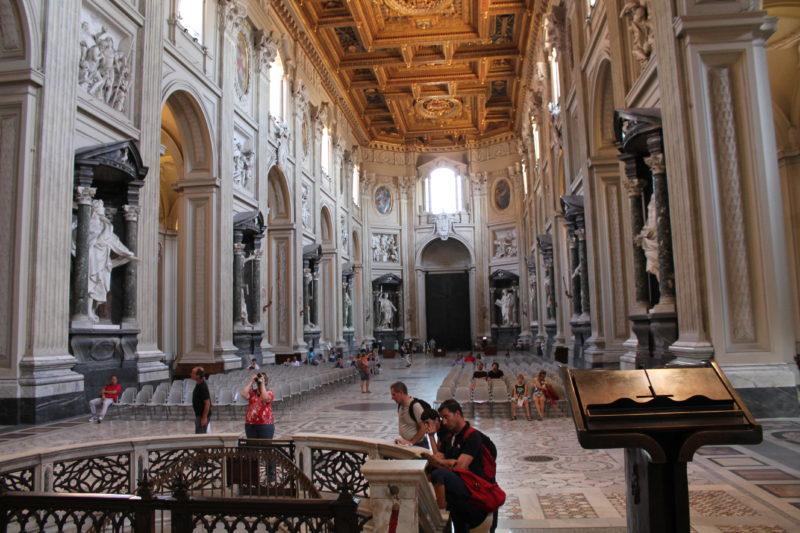 Kirkens indre