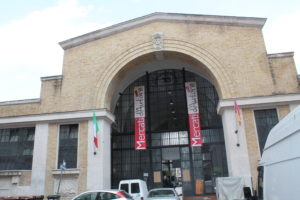 Overdækket marked på Piazza Alessandria