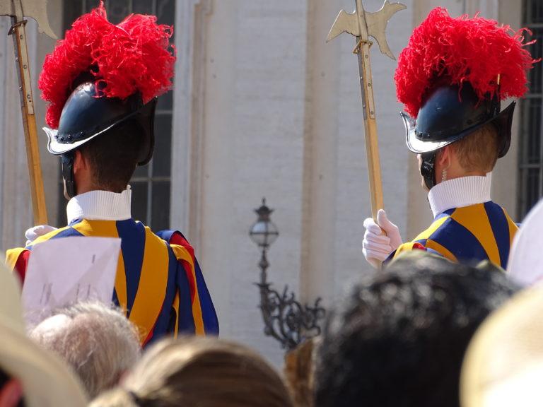 Løbende nonner og præster skal til OL for Vatikanet