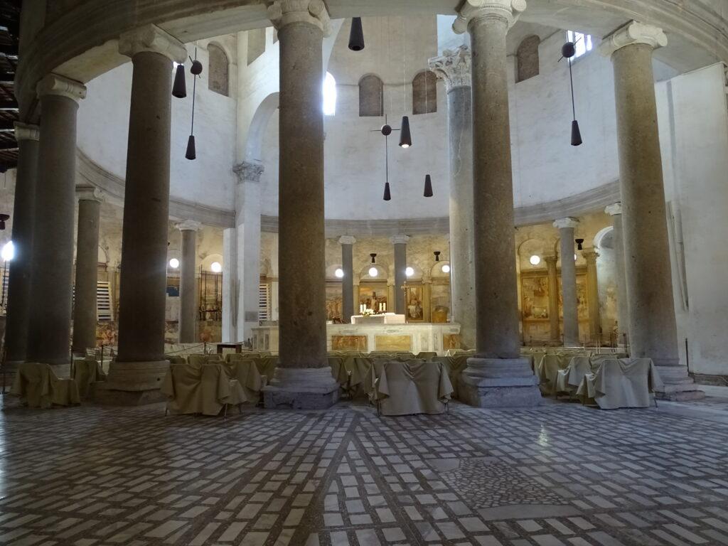 Rundkirker i Rom